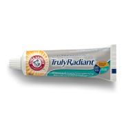 1059568_truly_radiant_90ml_front